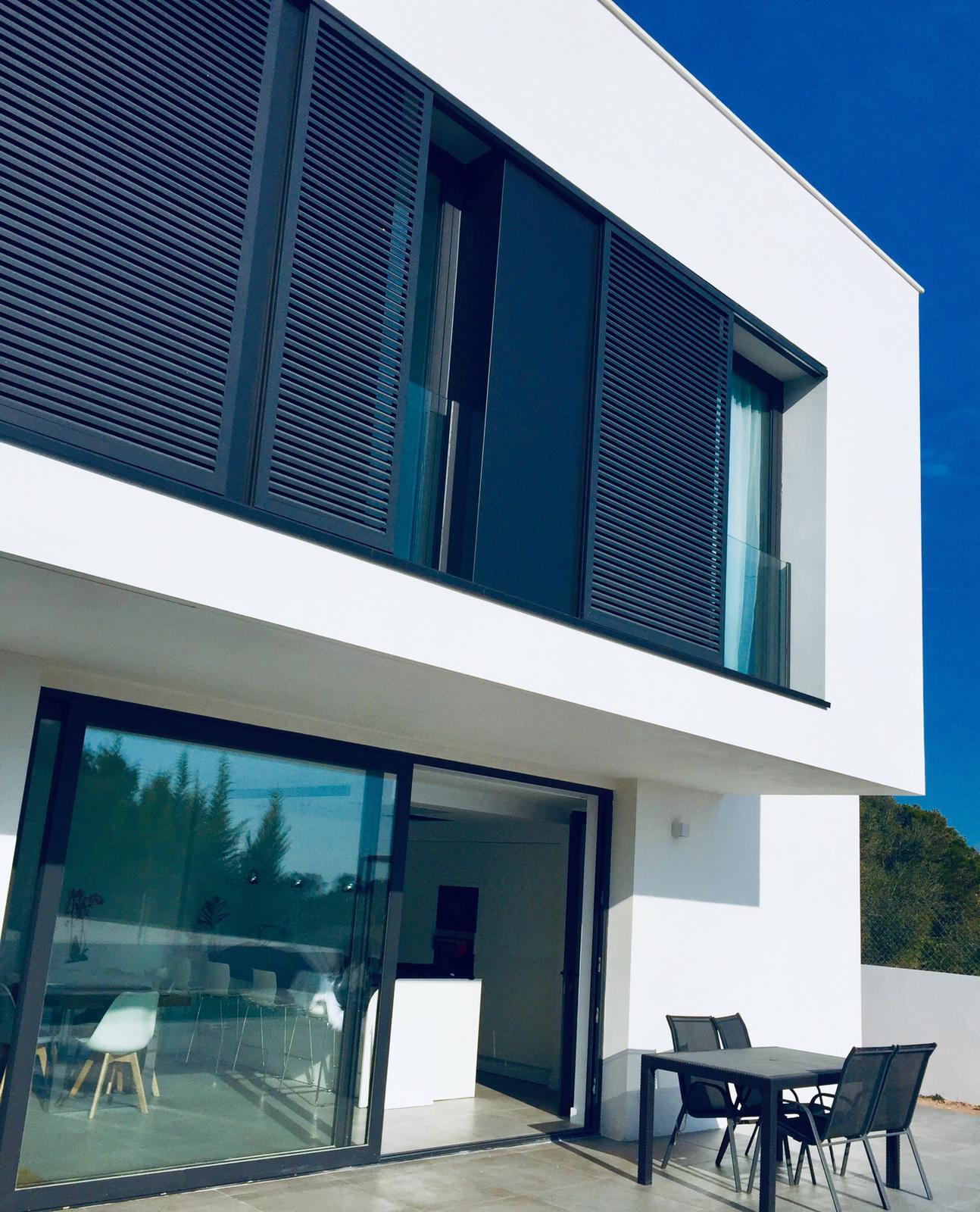 Cristaleras Terraza Vivienda Diseñada en Mallorca